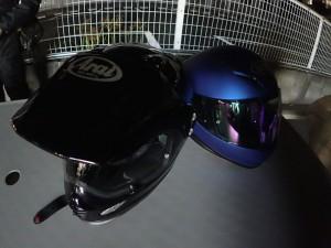 AraiとSHOEIのヘルメットたち