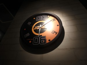 KTMオリジナル掛け時計 かっこいい!