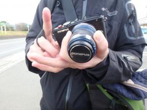 管理人の新しいカメラ「PEN Lite E-PL6」! 小さく取り回しが良さそうですね。しかも、一眼画質と引けを取らない性能…