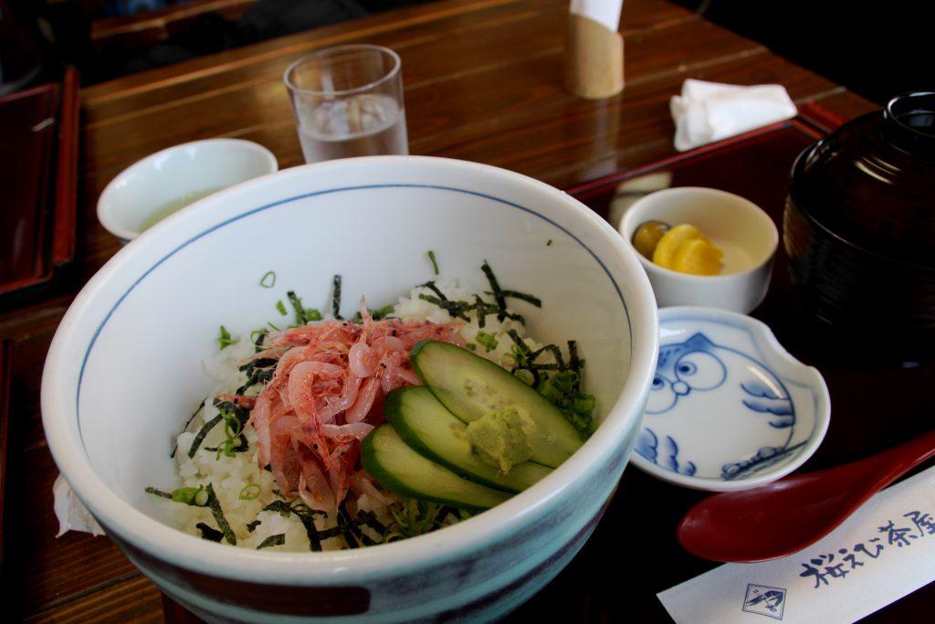 当usiは、数量限定の『生桜えび丼』にしました! めっちゃウマイぜ(゚д゚)