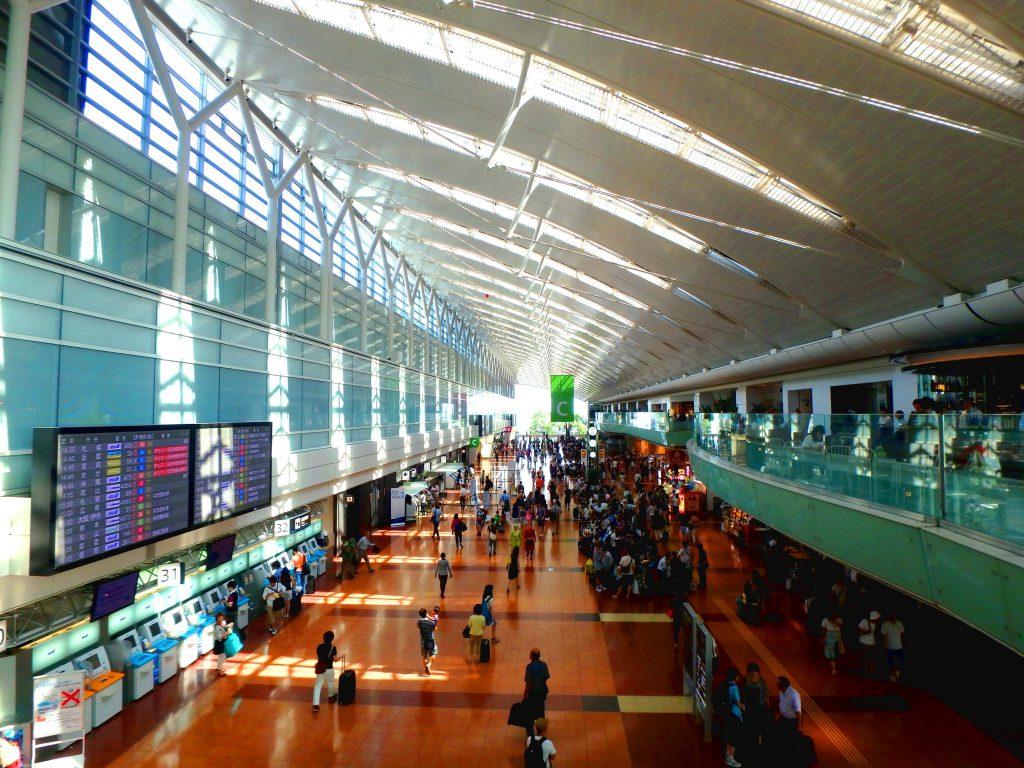 2015年に行った時の第2ターミナルのモール内です。